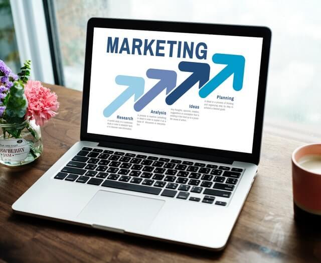 ウェブマーケティング